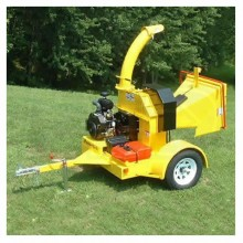 "PowerTek (7"") 25-HP Hydro-Feed Tow-Behind Chipper"